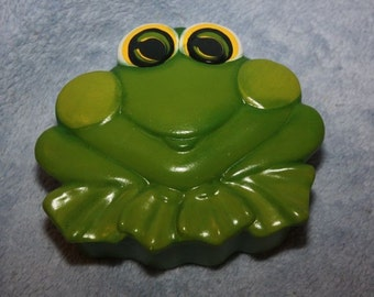 Handpainted Ceramic Green Frog Box