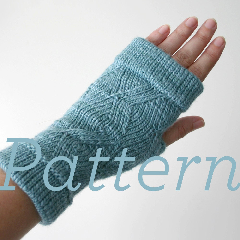 Knit Fingerless Gloves Pattern : Knit Fingerless Gloves Pattern // Cuffed ZigZag Fingerless