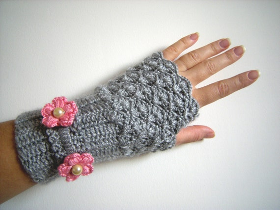 Free Crochet Patterns Hobo Gloves : Items similar to Grey Pink Flower Fingerless Gloves Women ...