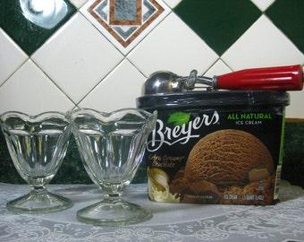Vintage Ice-Cream/Dessert Dishes - Two Ice-Cream/Dessert Dishes - Ice-Cream Dishes - Dessert Dishes - Glass Ice-Cream Dishes