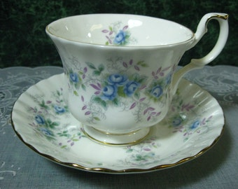 Royal Albert Blue Blossom Teacup & Saucer - Vintage Teacup - Royal Albert - Floral Teacup - Teacup Bone China - Royal Albert Teacup