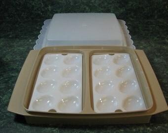 Vintage Tupperware: Tupperware Egg Tray