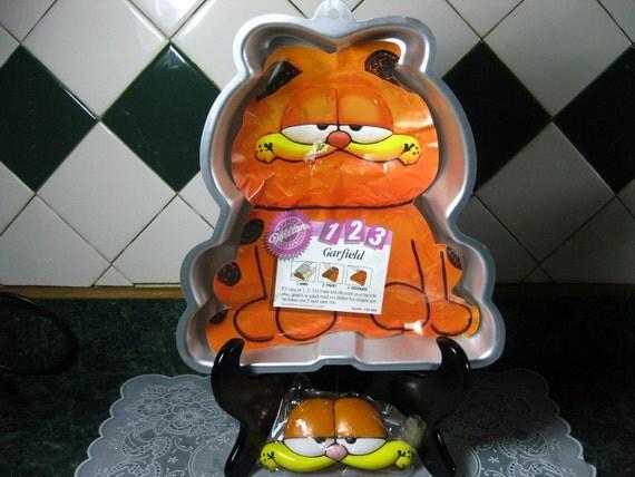 Vintage Wilton Cake Pan: Garfield Cake Pan