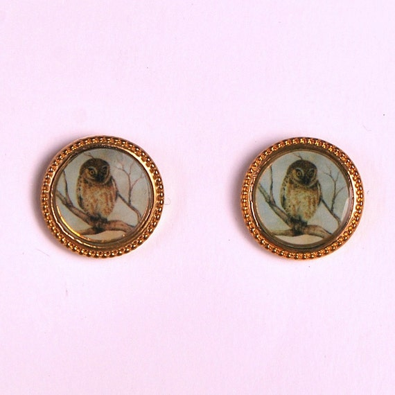 Vintage Small Round Owl Cameo Gold Stud Earrings