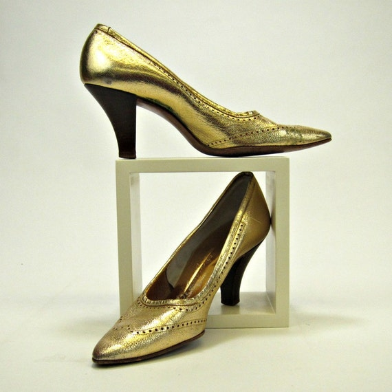 1960s vintage metallic gold leather pumps size 5