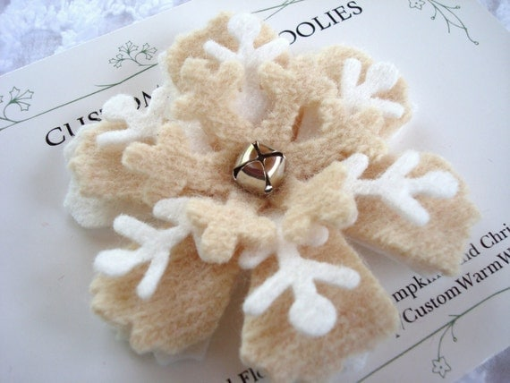 FELTED SNOWFLAKE BROOCH Pin Felt  Flower Wedding Favors Bridal Shower Party Favors Gift Bagged Winter Holiday Christmas