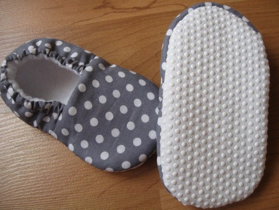 toddler baby shoe pattern...Abby and Aaron baby / toddler shoe pattern .... PDF tutorial / pattern....Up and Away Patterns...