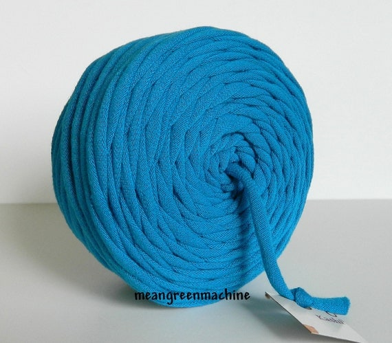 Recycled T-Shirt Yarn, Electric/Turquoise Blue 42 Yards , T Shirt Yarn, Bulky Tarn