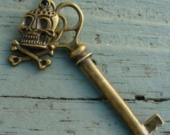 Steampunk Cute KEY to your heart Necklace Victorian pendant charm pirate
