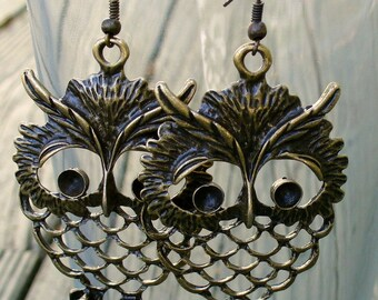 Steampunk Pirate Victorian goth  earrings pendant charm WISE OWL earrings