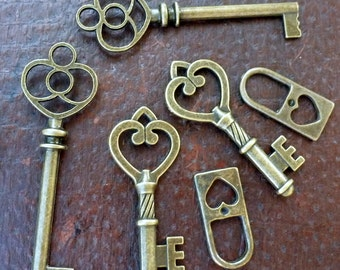 Wholesale Lot 6pcs Steampunk Victorian wholesale antique bronze skeleton key pendant charm necklace Alice in Wonderland 2