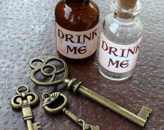 Wholesale Lot Steampunk Alice in Wonderland necklace pendant charm Drink me bottle tea time skeleton key 28 antique silver bronze brass