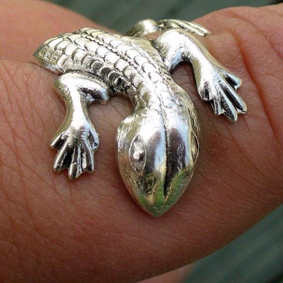 Steampunk CUTE lizard-GECKO ADJUSTABLE ring victorian goth wicca witch wizard