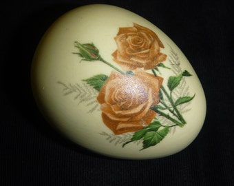 Vintage HAND PAINTED EGG Paperweight
