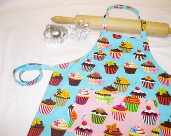 Retro Teal Cupcakes Child Apron with pink pocket
