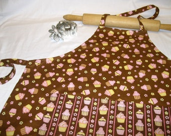 Mmm Cupcakes Adult Apron with pocket