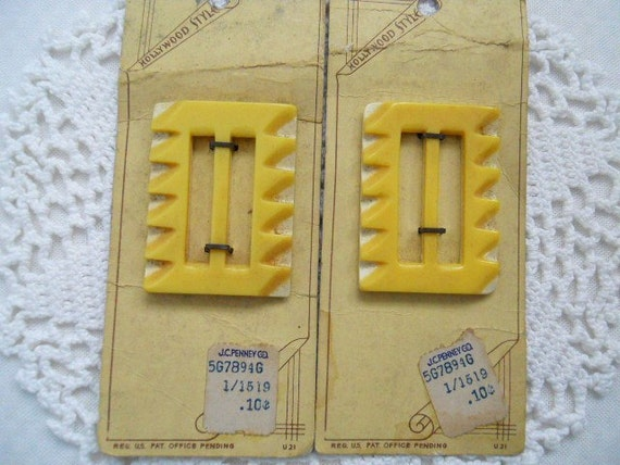 RESERVED FOR MIRANDA  Yellow And White Plastic Buckles  On Original Store Cards - 1940s