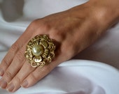 Blest Jewelry: Vintage - Pearl Flower Ring