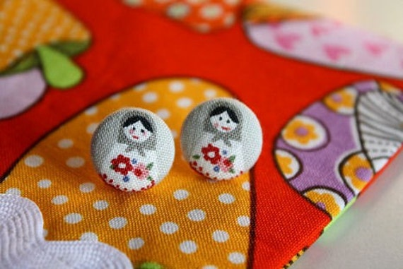 matryoshka earrings- gray       Russian nesting dolls fabric button earrings