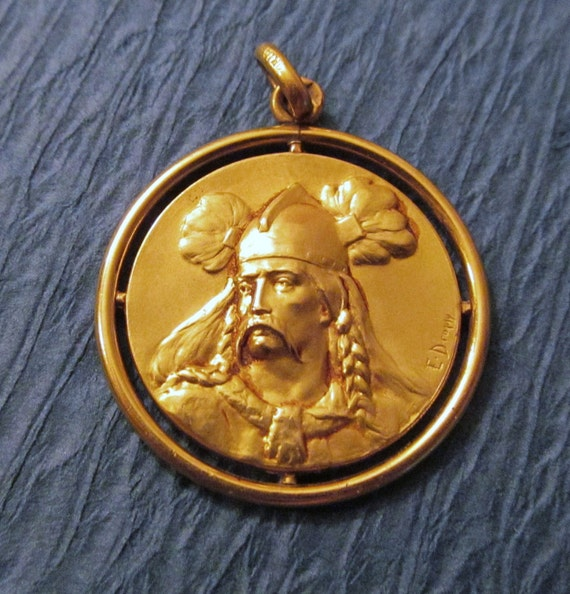 Art Nouveau Art Medal Pendant Gaul Warrior Gold Fix Signed Dropsy Circa 1920    SS288