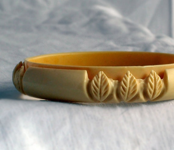 Ivory color celluloid Bangle with Leaf Carving