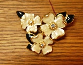 Vintage 3 Flower Trifari Brooch