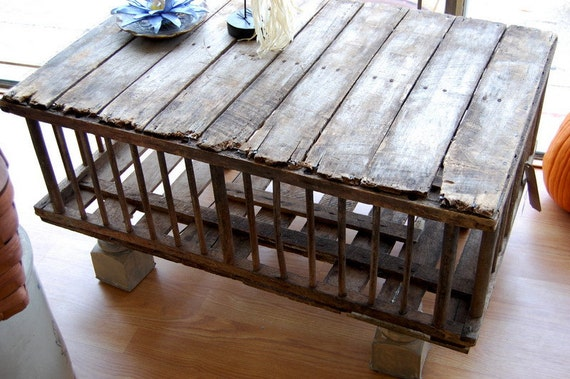 Primitive Wooden Crate Cock.tail Table