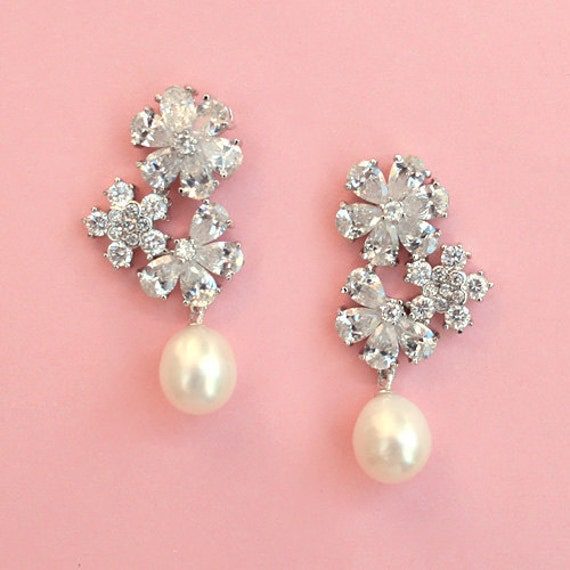 FREE SHIPPING - Floral Pearl Wedding Earrings