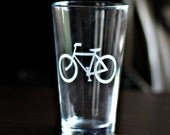 Bicycle Etched Beer Pint Glass (1 glass)