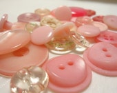 Shades of Pink - 30 Button Assortment