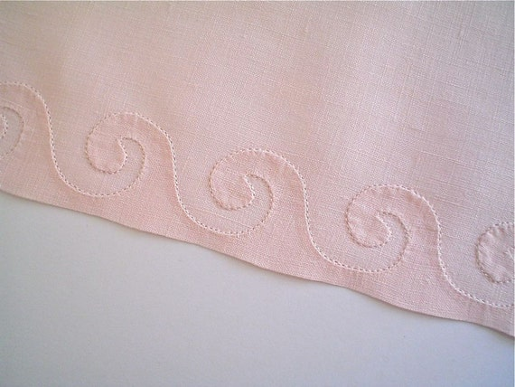 Madeira Linen Towel Set of 3 with Shell Pink Waves Applique Never Used Vintage Guest Towels