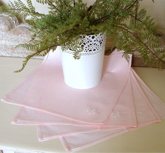 Vintage pink linen square tablecloth with four napkins