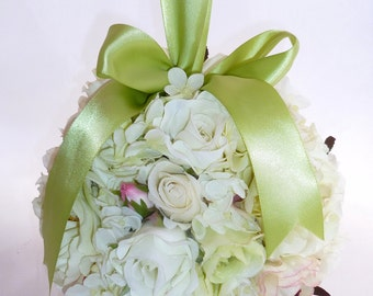 SALE Spring Fling Ivory and Green Pomander