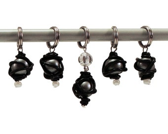 Knitting stitch markers polymer clay navy/black and black pearl imitation reduced snagging set of five