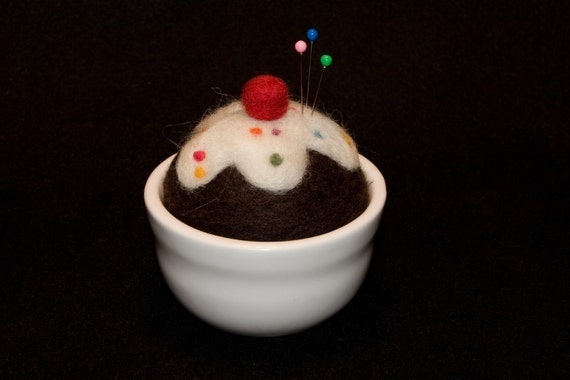 Felted Cupcake Pin Cushion