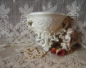 Romantic Cottage Distressed, White Baroque Style Wall Pocket