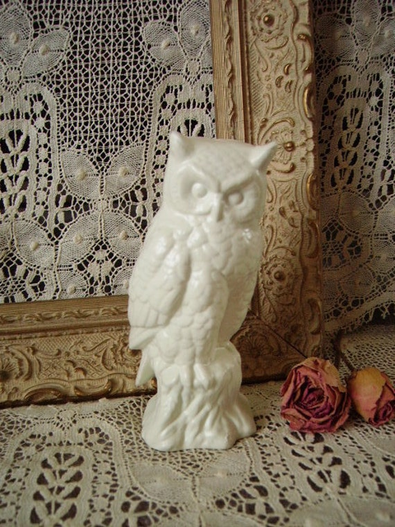 Upcycled Cottage chic Vintage Painted White Owl