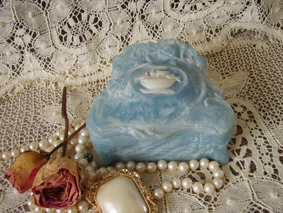 TREASURY ITEM Victorian Elegant blue with Doves Incolay stone trinket box, elegant, ornate, marblized, carved
