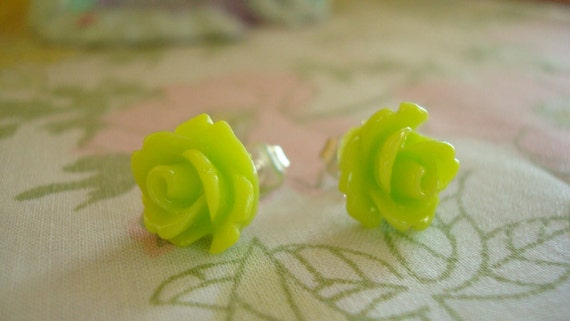 Beautiful Tiny Roses Lolita Earring Studs In Lime Green