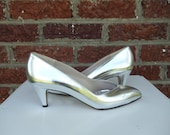 SALE Metallic Silver Leather Amalfi Pumps -  Italy - Heels Party Dance Bridal Wedding - Special Occasion - Festive Holiday Disco - Size 7.5