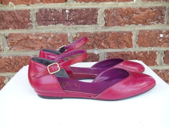 Fuchsia Leather Sandals with Ankle Strap - Closed Round Toe - Flats - Pink - Pink Purple - The Touch of Nina - size 8.5