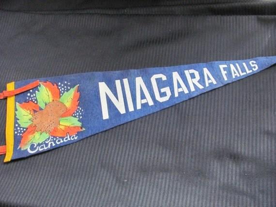 Vintage Felt Pennant Banner - Canada Niagra Falls