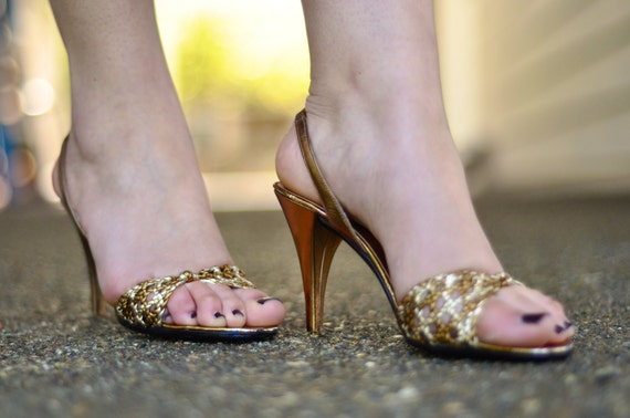 50s Gold & Bronze Leather Peep Toe Slingback Heels with Braided Detailing (Size: 6)