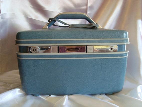 Powder Blue Vanity Train Case TREASURY ITEM