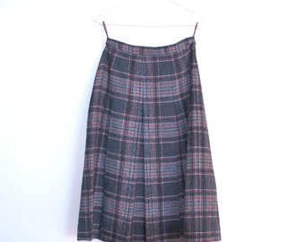CLEARANCE Classic Prep Vintage Skirt