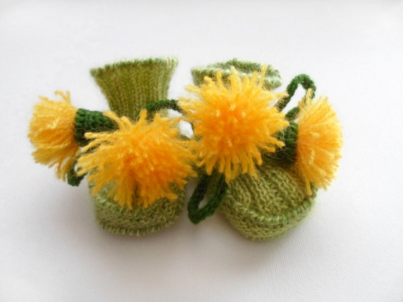 Hand Knitted Baby Booties - Green, 0 - 3 months