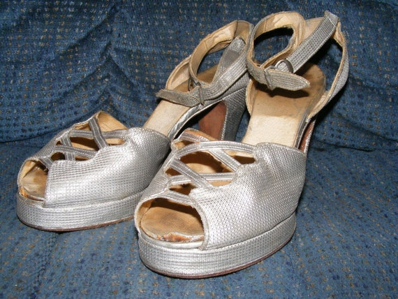 Vintage 1940s Platform Shoes Silver Peep Toe Sandles Ankle Straps Size 7.5