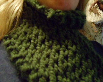 Hunter Green Hand Knit Bulky Lace Scarf