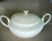 Homer Laughlin, Triumph sugar bowl. Beautiful.