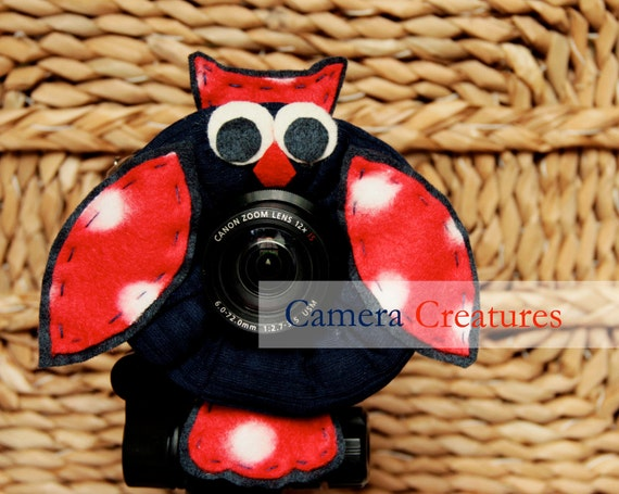 Camera Creatures Red, White & Blue Owl with Squeaker